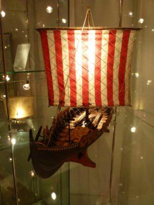 Das Gokstadschiff um 850.