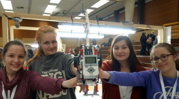 Robotics-AG Sarah Gabauer, Elena Vassiliadi, Celine Hildebrand, Derya Gürlek