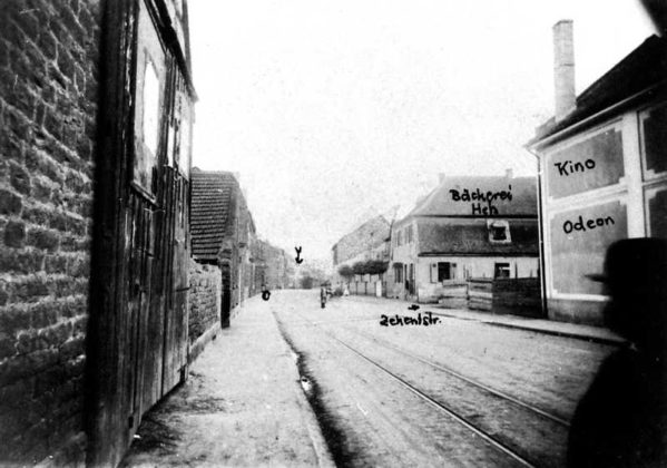Oppau um 1900 Rustengasse (Edigheimer-Str.) Lokalbahnlinie an Haus Steiner 49.520409, 8.405604