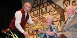 Älteste Bürger im Saal Friedel Dornick - 95, Alfons Schwaderlapp - 93.