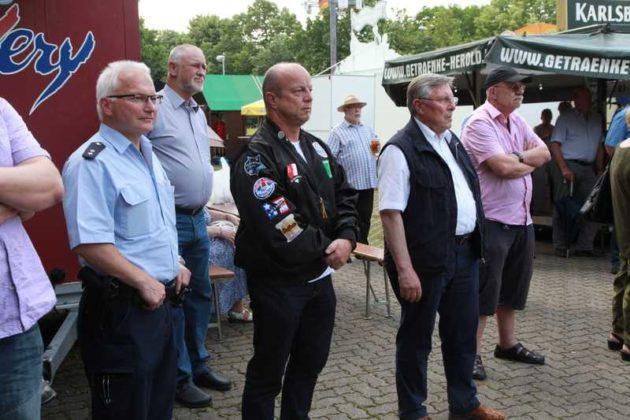 Bezirksbeamter Keller, Tom Röhr, Udo Scheuermann und Fritz Poh
