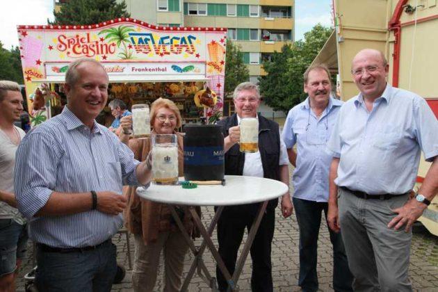 Dr. Peter Uebel, Gabi Albrecht, Ortsvorsteher Udo Scheuermann, Marktmeister Bauer, Heinrich Jöckel