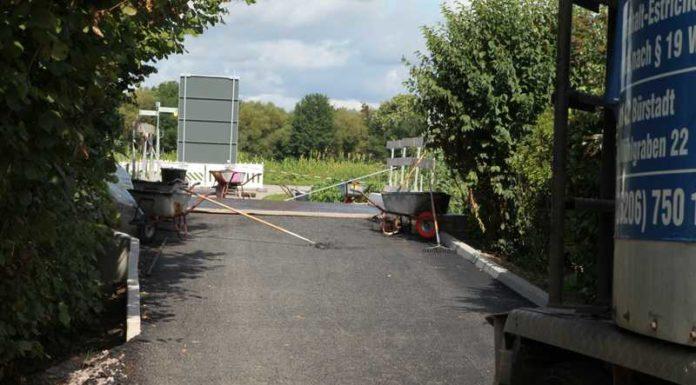 9.August 2017: Bocksbrücke wird asphaltiert