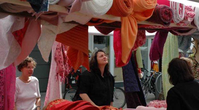 Stoffmarkt auf dem Berliner Platz