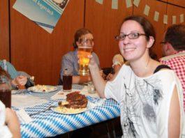 MBO-Oktoberfest bei Haxen und Bier. Maren Berger