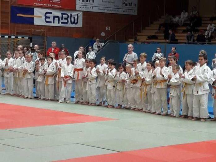 Bild 3 aufstellung: Aufstellung der Teilnehmer