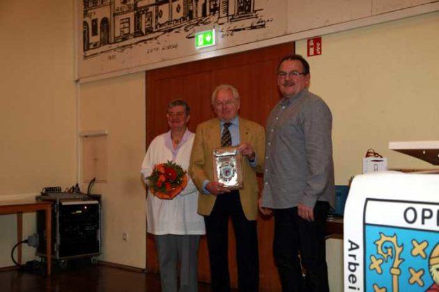 KH Berzel mit Gattin und Laudator Horst BIndner