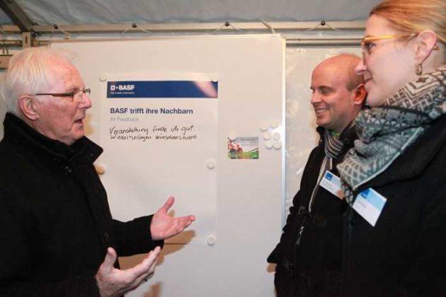 Alfred Schneider mit BASF-Vertretern