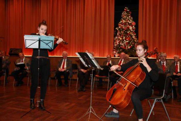 Duett mit Klavier (Petra Reith), Geige (Flora Braun) und Cello (Solbaram Walsdorff)