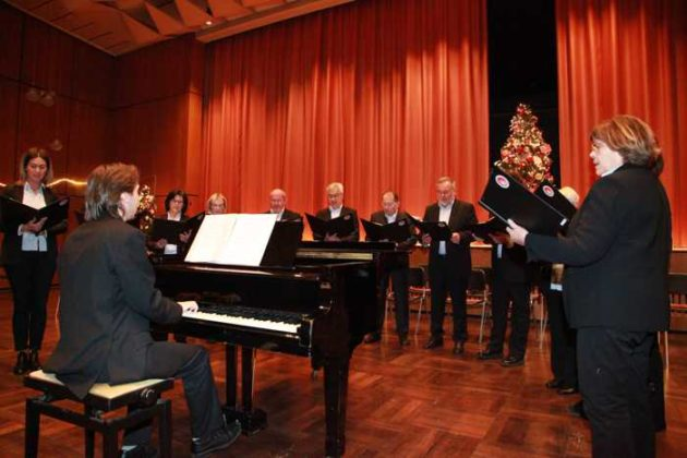 Chor des Orpheus, Leitung Thomas Braun.