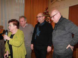 """Lore Frech mit ihren 3 """"Bürgerhaus-Chefs"""" : Klaus Egersdörfer, Helmut Weilacher LUKOM Abteilungsleiter und Hans Klanig."""