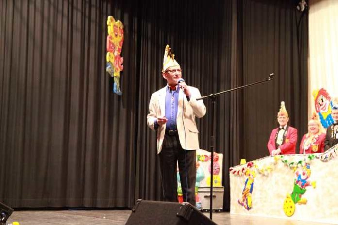 Peter Arnold besingt die Fasnacht in Ludwigshafen und den Karneval in Rio