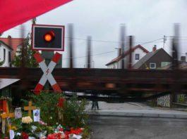 Zinkig Bahnübergang 9.11.2009. Archivbild Oppau.Info