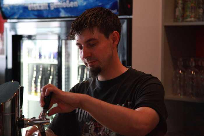 Das Gießkännchen in Edigheim - Tolle Getränke, Musik, Spiele und ...