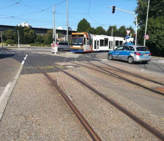 Entgleiste Strassenbahn