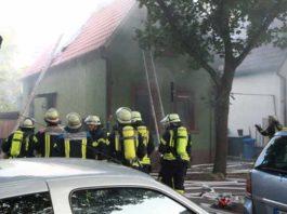Feuerwehr im Einsatz in der Samariterstrasse in Edigheim