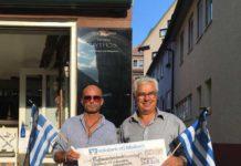 Übergabe einer Spende aus Mosbach - Joannis Chorosis rechts