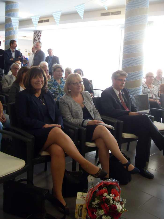 Oberbürgermeisterin Jutta Steinruck, Sozialdezernentin Beate Steeg und Michael Kurz, Geschäftsführer der DRK-Altenhilfe Vorderpfalz Quelle: DRK Vorderpfalz