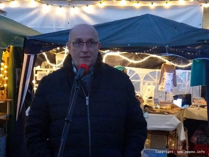 Frank Meier, Ortsvorsteherkandidat hielt die Eröffnungsrede