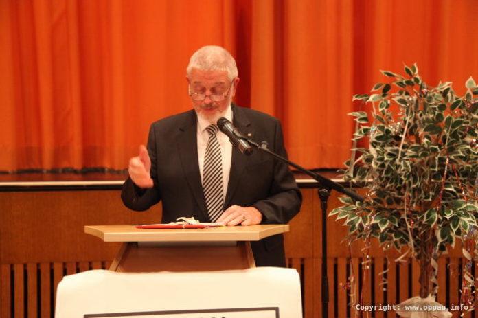 Hubert Eisenhauer brachte die Grüße der ARGE Oppau