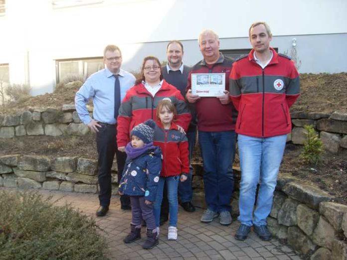 Von links nach rechts: Jochen Dörr, Denise Hessel, Christian Ludes, Sponsor Kurt Wintergerst (Getränke Kistner), Torsten Esseln, Kiara und Lara-Sophie