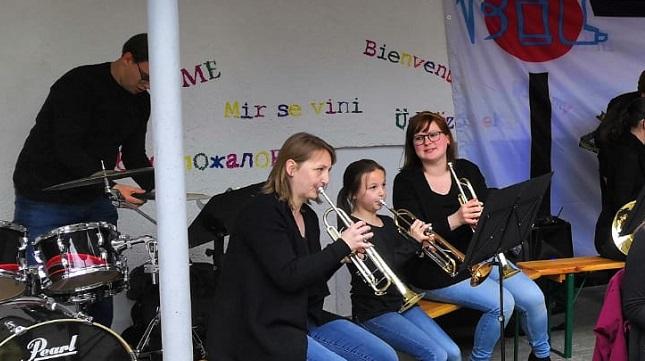 Der erste Auftritt des MBO-Ensemble am Kinderfest der BIL am 03.Mai 2019 Bild: MBO