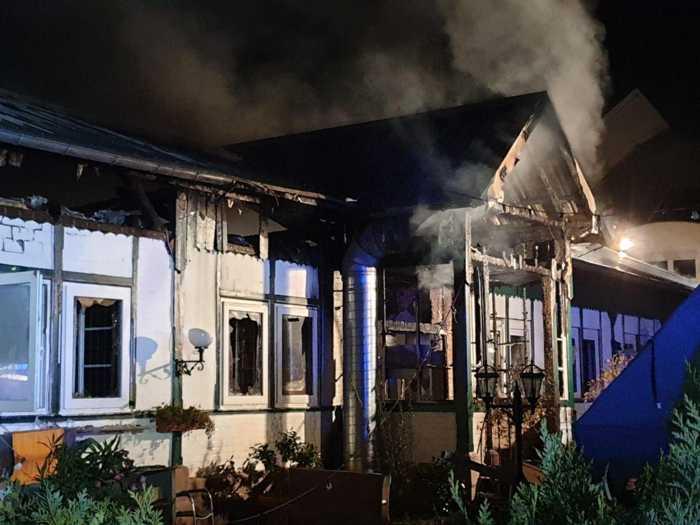 In den Räumen der Schützengesellschaft befindet sich die Pizzeria - Das Gebäude wurde zerstört (Foto: VT)