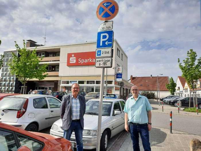 Dieses Schild wird bald möglichst entfernt werden, um die Parkmöglichkeit  nicht weiter einzuschränken