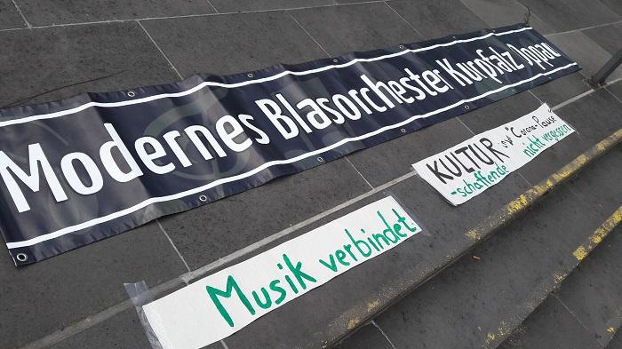 Musikalische Kundgebung zu Muttertag 2020 Bildrechte MBO