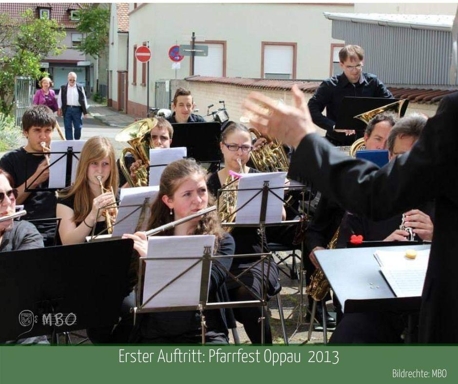 Der erste Auftritt 2013 am Pfarrfest St. Martin; Bildrechte: MBO